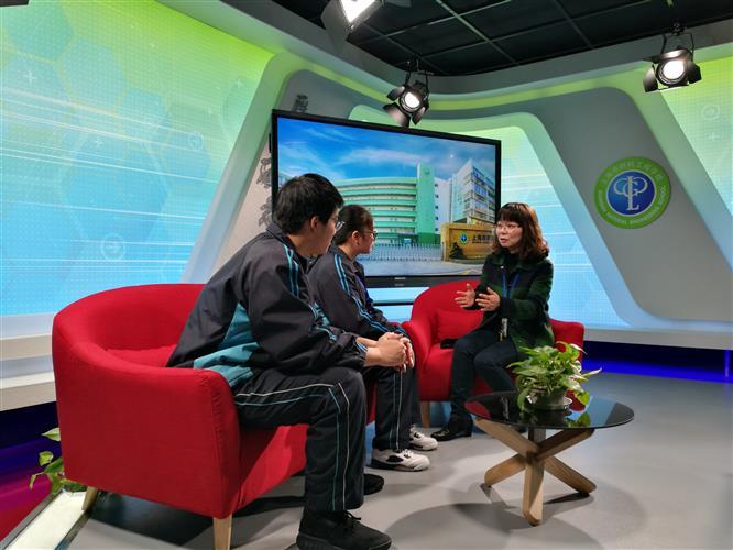上海市材料工程学校:朱慧群老师被评为2018上海市十佳班主任