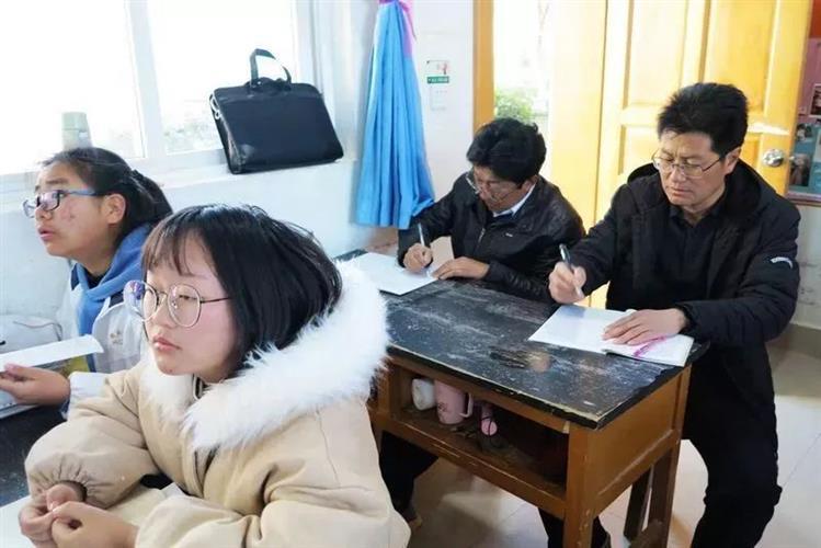 [浦东]杨思高级中学:手拉手共成长-走进鹤庆(一天津市高中双菱中学图片