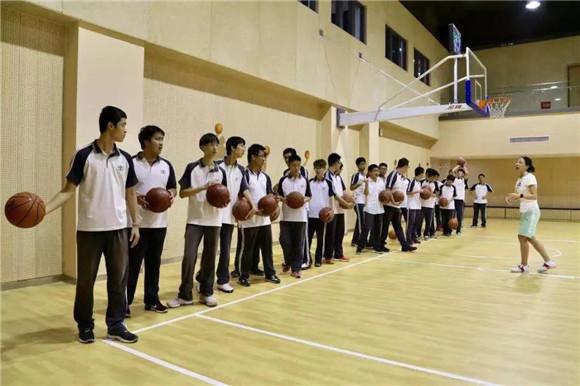 """上海学校体育艺术项目将形成小初高""""一条龙"""" 这里有你关心的7个问答"""