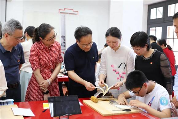 6万学生参与!上海学生职业体验日人气超高 向对口支援地区开放