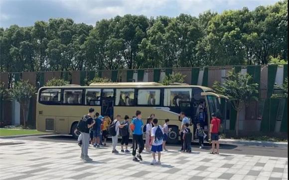 2021年青浦区中小学生科技夏令营顺利举行