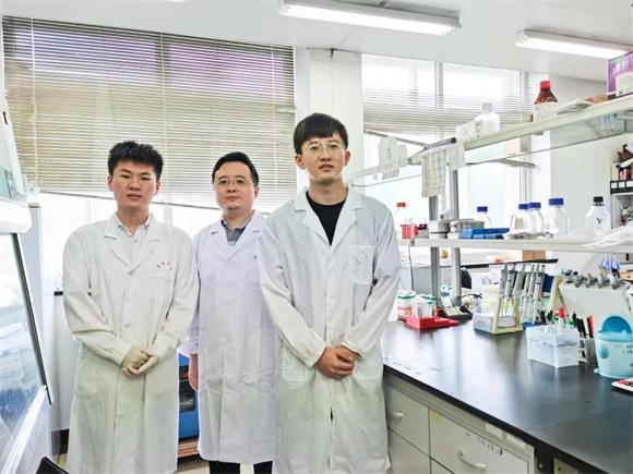 """华东师大科学家发表""""背靠背""""两篇论文 捕获神经活动和学习记忆机理"""